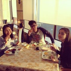 clearly, nadech doesn't care about his appearance. and that's the cute part about him. #yadech #japan #family #breakfast #sweeeeeeet