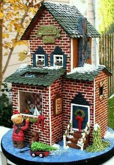 100 Gingerbread House Ideas to give your Christmas Party a Delicious Dose of Happiness - Hike n Dip Thinking about Gingerbread house decorating party? Then you have to have a look at these delicious and cute Gingerbread house ideas right here. Gingerbread Village, Christmas Gingerbread House, Noel Christmas, Christmas Goodies, Gingerbread Man, Christmas Baking, Gingerbread Cookies, Christmas Crafts, Christmas Decorations