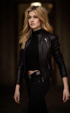 Katherine McNamara as Tigress (Artemis) Mode Outfits, Girl Outfits, Casual Outfits, Fashion Outfits, Shadowhunters Outfit, Look Star, Badass Outfit, Leather Jacket Outfits, Katherine Mcnamara