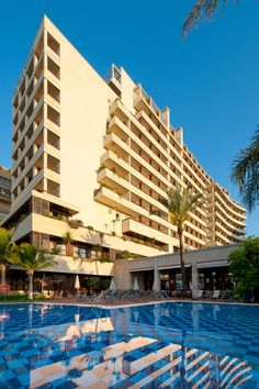 Piscinathz hotel Fuerte Miramar.