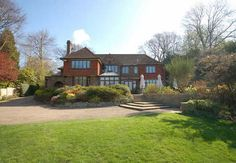 Detached luxury house. 6 bedrooms. comes with swimming pool, orchard and a sun terrace. Located in Chipstead, Surrey.