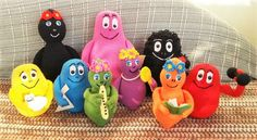 Welcome to 'One More Row' Crochet Link Party! One More Row is a free crochet pattern link party hosted here on Grace and Yarn an. Amigurumi Toys, Amigurumi Patterns, Knitting Patterns, Crochet Patterns, Crochet Motif, Free Crochet, Knitted Animals, How To Start Knitting, Drops Design