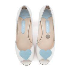 Zapatos de Novia Peep Toe modelo Andi Blue de Charlotte Mills ➡️ #LosZapatosdetuBoda #Boda