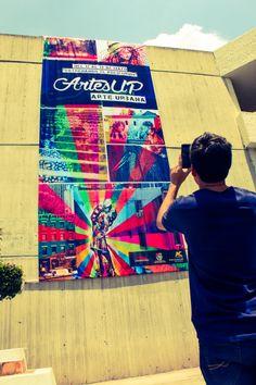 Viendo un promo con realidad aumentada de la Semana de Arte y Cultura de la Universidad Panamericana  con Trewas 360º