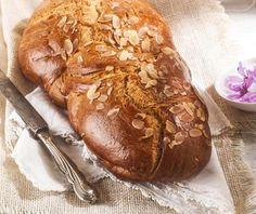 Νηστίσιμα τσουρέκια | Συνταγή | Argiro.gr Lemon Cupcakes, Food And Drink, Bread, Recipes, Lemon Cookies, Brot, Recipies, Baking, Breads