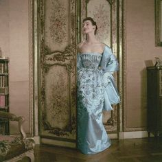 November 1952 Model in a Christian Dior gown at Pavillon Colombe, at St. Brice in France. Vogue, November Photograph by Frances McLaughlin-Gill. Christian Dior Gowns, Christian Dior Designer, Christian Dior Vintage, Vintage Dior, Vintage Gowns, Vintage Couture, Mode Vintage, Vintage Glamour, Vintage Outfits