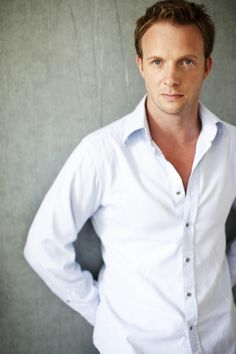 Rupert Penry-Jones...this is one of the actors that I picture playing Pendergast if there is ever a good movie adaptaion done of the Preston & Child novels. (Strangely, the other actor is Jim Parsons.)