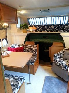 Sweaty Equities: Even the Motor Home Gets a Facelift Motorhome décor Motorhome remodel Glamping