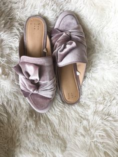 By Brigette Danielle: How To Style Mules: The newest trend in shoes New Fashion Trends, New Trends, Work Attire, Cute Shoes, Boobs, Bra, Sandals, Stylish, Homeschool