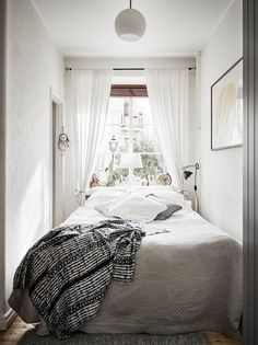 This is a small bedroom ideas & tips to help you create a bedroom space that may. This is a small bedroom ideas & tips to help you create a bedroom space that may be small in square footage, but is wide in style. Very Small Bedroom, Small Bedroom Ideas For Couples, Narrow Bedroom Ideas, Small Apartment Bedrooms, Small Apartments, Small Bedrooms, Small Spaces, Minimalist Bedroom, Modern Bedroom