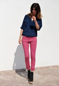 Navy and dusty pink.  nice!!