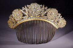 Peigne Empire aux fleurs de verre. French Empire hair comb Tiara with glass flowers