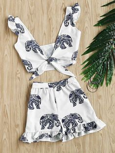 Shop Random Ornate Elephant Print Knotted Top With Frill Shorts online. SheIn offers Random Ornate Elephant Print Knotted Top With Frill Shorts & more to fit your fashionable needs.