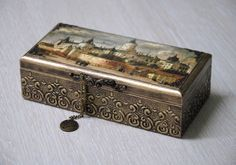 (59) Одноклассники Decor Crafts, Diy And Crafts, Arts And Crafts, Eid Boxes, Cigar Box Crafts, Funky Painted Furniture, Decoupage Box, Bottle Box, Antique Boxes