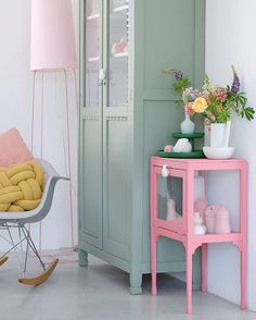 Corner in a soft colours by PRCHTG * Interiors * The Inner Interiorista Pastel Room, Pastel House, Furniture Makeover, Furniture Decor, Painted Furniture, Pastel Home Decor, Mint Decor, Home Decor Inspiration, Girl Room