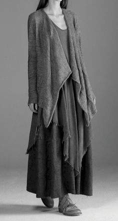 Now this IS my  favourite attire. warm and protected, refined and feminine  with just the edginess that  is inherent in the wych wise woman.