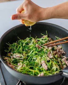 Home Recipes, Asian Recipes, Cooking Recipes, Ethnic Recipes, Japanese House, Seaweed Salad, Japchae, Asparagus, Cravings