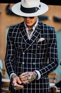 gentleman style Street style la Fashion Week homme printemps-t 2018 Milan Style Gentleman, Gentleman Mode, Dapper Gentleman, Milan Street Style, Men Street, Fashion Week Hommes, La Fashion Week, Menswear Fashion Week, Casual Menswear