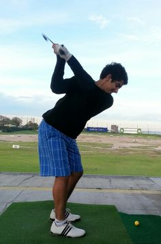 Creando los ángulos correctos en un swing de golf. Golf Academy, Mario, Pride
