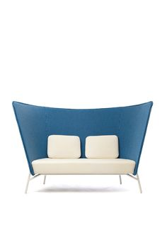 Iconic Art Furniture Pieces for Modern Interior Design Art Furniture, Contract Furniture, Lounge Furniture, Furniture Upholstery, Furniture Design, Contemporary Outdoor Furniture, Contemporary Sofa, Cosy Sofa, Sofa Bench