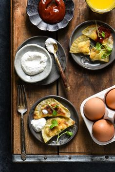 Make brunch fun again with these sausage, egg and cheese wontons served with two easy dipping sauces. Brunch Recipes, Summer Recipes, Breakfast Recipes, Cafe Recipes, Entree Recipes, Egg Recipes, Light Recipes, Breakfast Ideas, Holiday Recipes