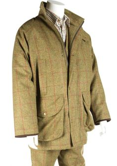 Gentlemans Classic Country Shooting Tweed Jacket two large cartridge pockets trimmed with suede two fleece lined chest pockets multi inside pockets