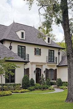 Fort bend home. Builder: Rohe and Wright. Love the pool and curb appeal!