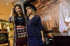 Barra Fashion Day 2015 - 2º Dia. Looks com as tendências Xadrez + Marsala. (15/04 - no 3º piso) A apresentadora Paula Magalhães e Carolina Castro (Blog the Finds)
