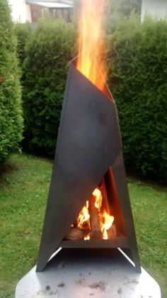 Der Terrassenofen ist aus 3 mm Cortenstahl hergestellt. Dieser Stahl ist äußerst...,Terrassenofen Feuersäule Feuerstelle Grill Edelstahl Feuertonne in Rheinland-Pfalz - Norken