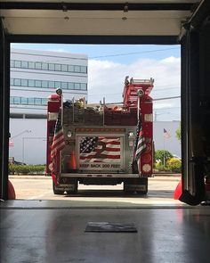 FEATURED POST  @groganphotos .  ___Want to be featured? _____ Use #chiefmiller in your post ... http://ift.tt/2aftxS9 . CHECK OUT! Facebook- chiefmiller1 Periscope -chief_miller Tumblr- chief-miller Twitter - chief_miller YouTube- chief miller .  #firetruck #firedepartment #fireman #firefighters #ems #kcco  #brotherhood #firefighting #paramedic #firehouse #rescue #firedept  #workingfire #feuerwehr  #brandweer #pompier #medic #ambulance #firefighter #bomberos #Feuerwehrmann  #IAFF…