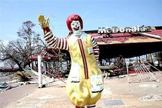 ✿∞✿Abandoned McDonalds✿∞✿ -- with its creepy clown