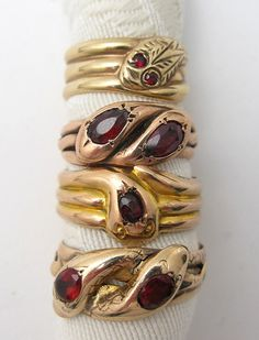 Antiques Rings Victorian snake rings How much do you think this costs? Antique Rings, Antique Jewelry, Vintage Jewelry, Snake Jewelry, Fine Jewelry, Jewelry Accessories, Jewelry Design, Gucci, Snake Ring