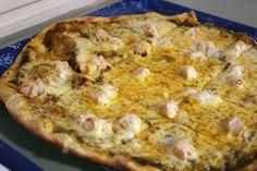 Persialaista pizzaa Raholassa #tampere #finland Finland Travel, Hawaiian Pizza, Food, Essen, Meals, Yemek, Eten