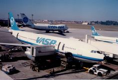 Vasp A300 and Pan-Am 747 in GRU. The good old days.