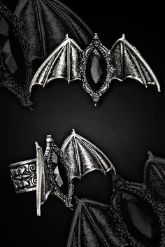 Carpe Noctem Bats Gothic Ring by Restyle http://www.the-gothic-shop.co.uk/carpe-noctem-bats-gothic-ring-restyle-p-5531.html