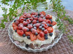 Denne kage du gøre i 10 minutter! Ny favorit - Franciska Beautiful World Cookie Recipes, Dessert Recipes, Great Recipes, Favorite Recipes, Norwegian Food, Sweet Cakes, Pavlova, Easy Desserts, Eat Cake