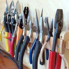 порядок в гараже своими руками - hanging pliers from a rack
