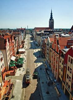 Market Street (TE meeting) - Elbląg, Warminsko-Mazurskie Beautiful Places To Travel, Cool Places To Visit, Paris Skyline, New York Skyline, Central Europe, Old Town, Travel Inspiration, Landscape, Prussia