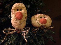 cf3a6e3add6 Set of 2 Primitive Snowman Ornaments