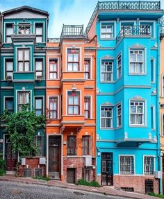 Turkish Architecture, Architecture Magazines, Urban Architecture, Colourful Buildings, Beautiful Buildings, Old Buildings, Pintura Exterior, Modern Architects, Modelos 3d