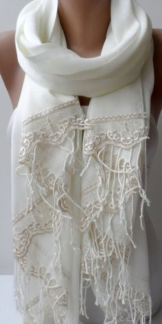 SET OF Cream Summer Pashmina Shawl with Champagne French Lace Bridesmaid shawl Cotton Skin-Friendly Lightweight Soft Wedding Wrap Classy Ways To Tie Scarves, Ways To Wear A Scarf, How To Wear Scarves, How To Wear Pashmina, Pashmina Shawl, Bridesmaid Shawl, Lace Bridesmaids, Lace Scarf, French Lace