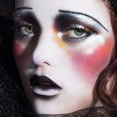 creative makeup – Hair and beauty tips, tricks and tutorials 20s Makeup, Clown Makeup, Costume Makeup, Makeup Inspo, Makeup Art, Halloween Makeup, Makeup Inspiration, Beauty Makeup, Halloween Photos