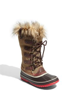 Although I love my Sorel Caribou boots (and always will), these Joan of Arctic boots are calling out my name!