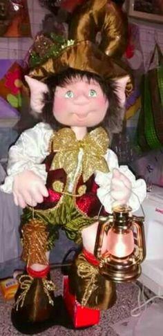 Merry Little Christmas, Christmas Elf, Christmas Projects, Christmas Ornaments, Mark Roberts Fairies, Disney Christmas Decorations, Elves And Fairies, Tatty Teddy, Felt Dolls