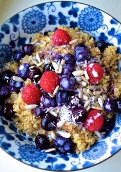 warm berry quinoa breakfast bowl