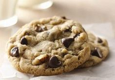Soft and Chewy Chocolate Chip Cookies recipe from Betty Crocker Seriously the best! Not that sweet but it makes em great! Cookie Recipes, Dessert Recipes, Chewy Chocolate Chip Cookies, Chocolate Chips, Betty Crocker Chocolate Chip Cookie Recipe, Pecan Chocolate Chip Cookies, Ultimate Chocolate Chip Cookies Recipe, Chocolate Cheesecake, Chocolate Ganache