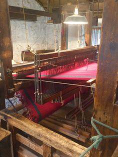 Dewis hand weaving machine @woolen mill st fagans