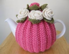 TEA COSY - NEW - Hand Knitted Wool - Flower - Sugar Pink - 4-6 cup 1.5 litre large teapot