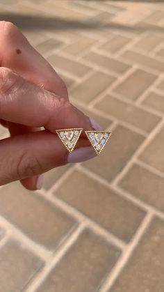 Small star studs - star jewelry/ celestial jewelry/ star earrings/ gold star earrings/ simple studs/ bridesmaid earrings/ bridesmaid gift - Fine Jewelry Ideas - Her Crochet Gold Star Earrings, Simple Earrings, Diamond Earrings, Pearl Earrings, Diamond Jewelry, Star Jewelry, Fine Jewelry, Jewelry Rings, Jewelery