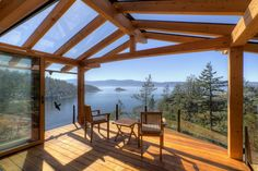 Design Ideas for Cabin Decks and Porches - Pergola Ideas Rustic Deck, Rustic Pergola, Small Pergola, Pergola Attached To House, Deck With Pergola, Cheap Pergola, Wooden Pergola, Covered Pergola, Pergola Shade